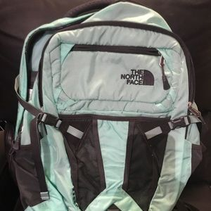 The north face recon sports backpack